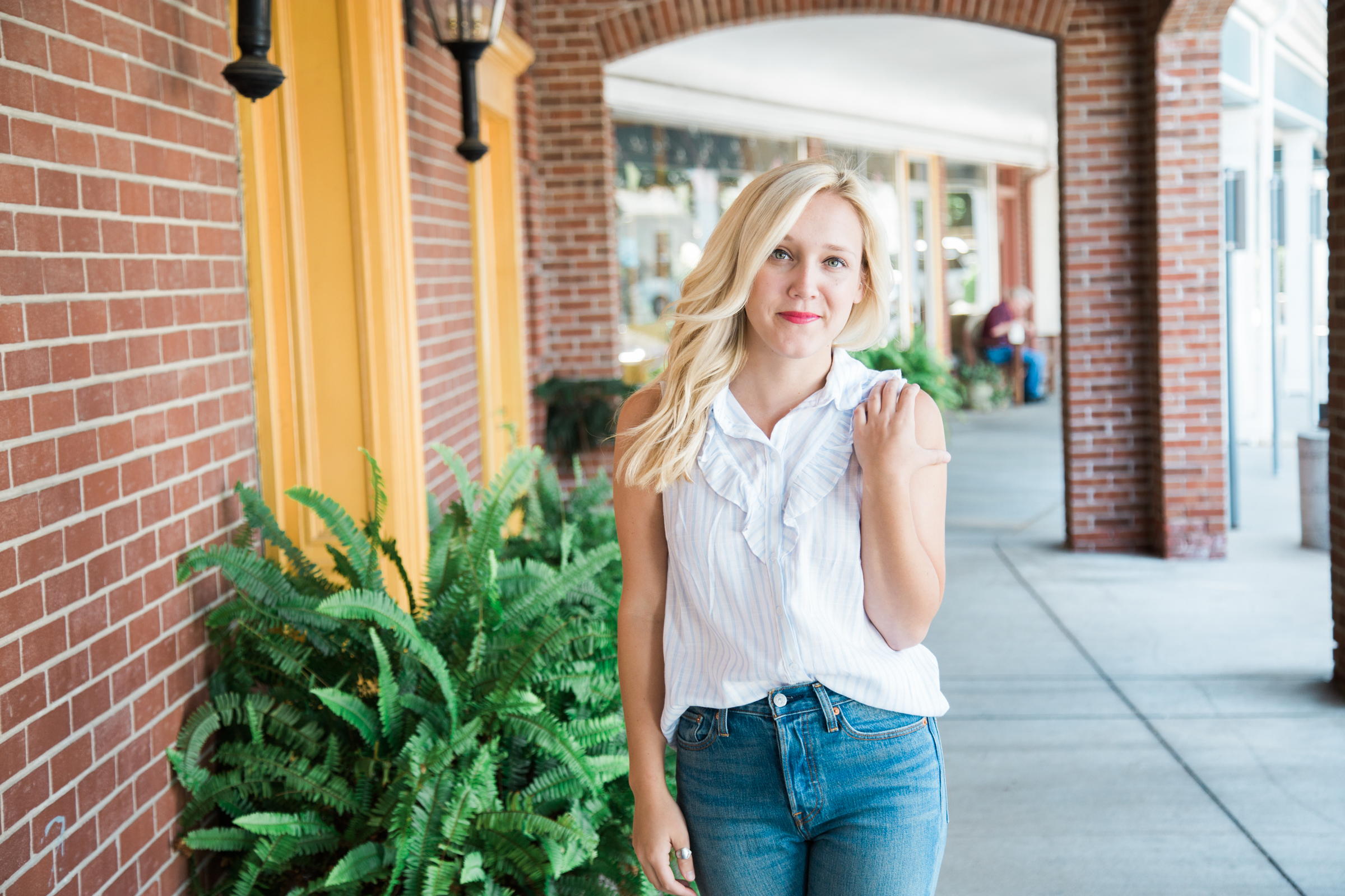How to style high wasted jeans